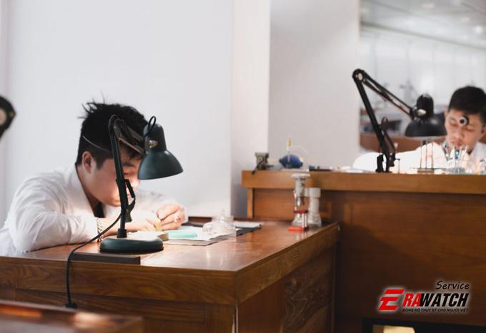 trung-tam-sua-chua-dong-ho-uy-tin